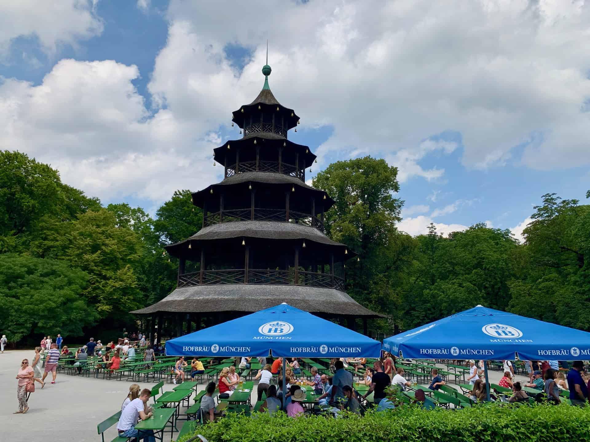 München_Biergarten_Chinesischer_Turm_vom_Englischen_Garten
