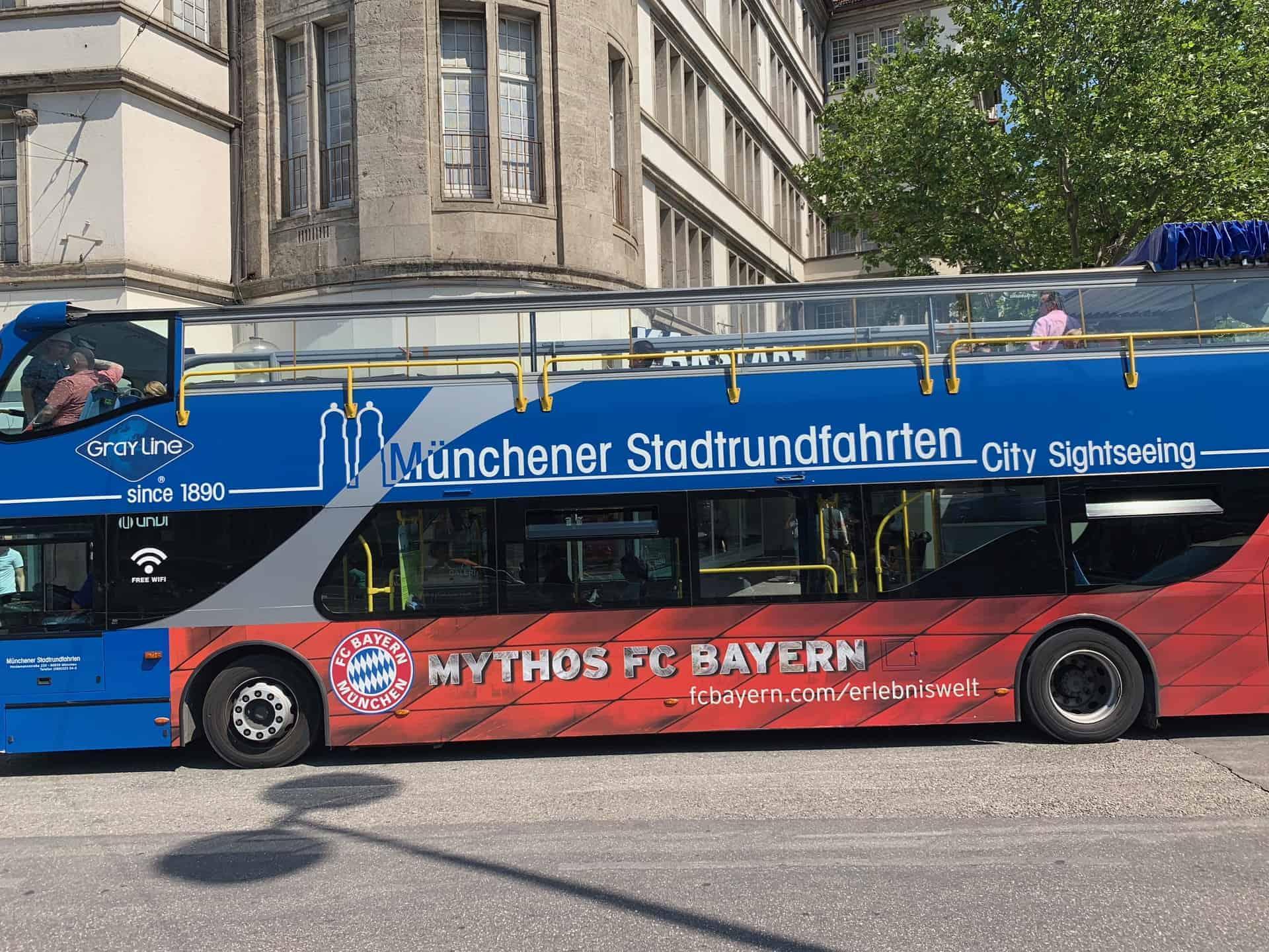 München_Hop_on_Hop_off_Bus_offen
