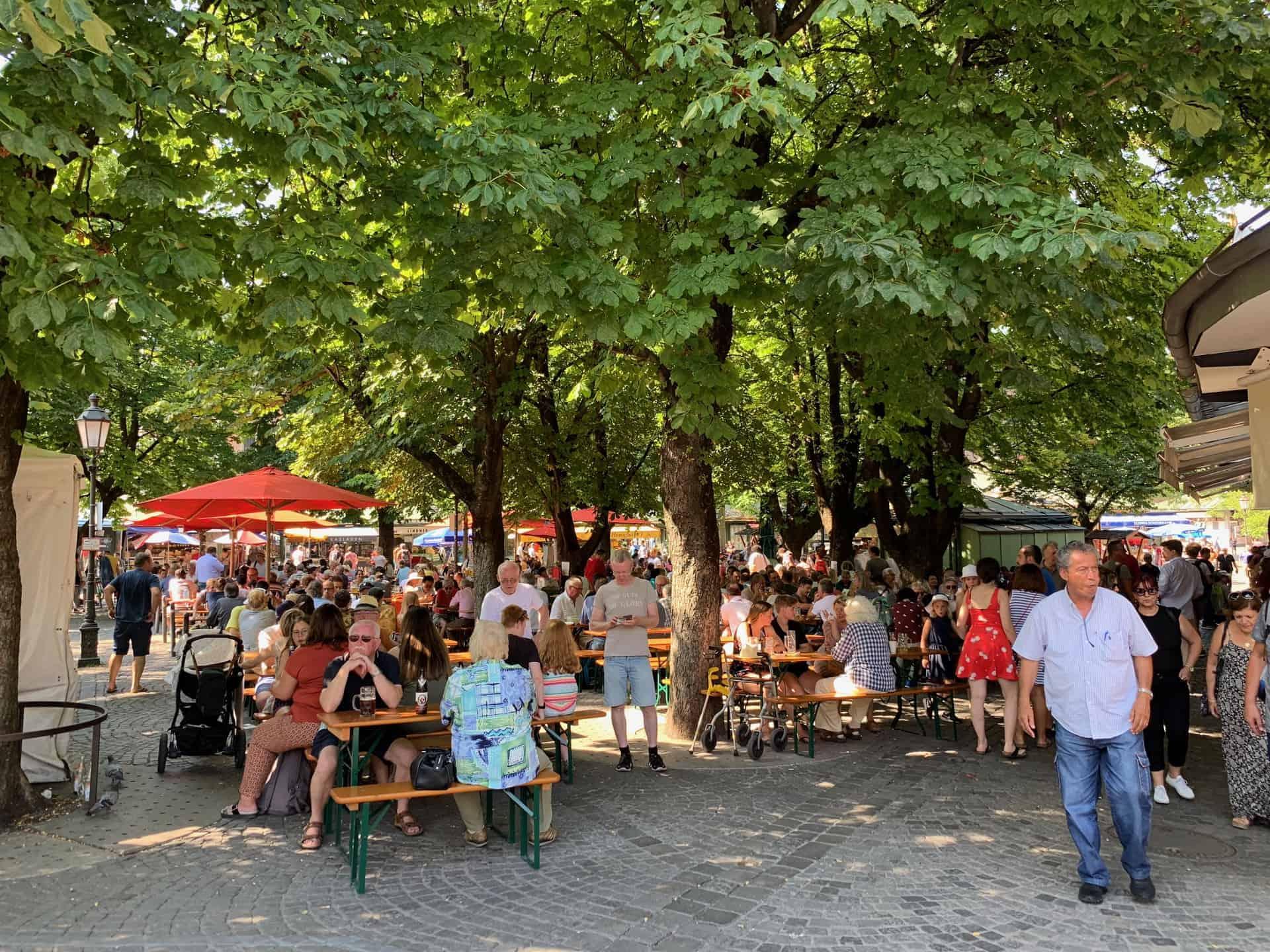 München_Viktualienmarkt_Biergarten