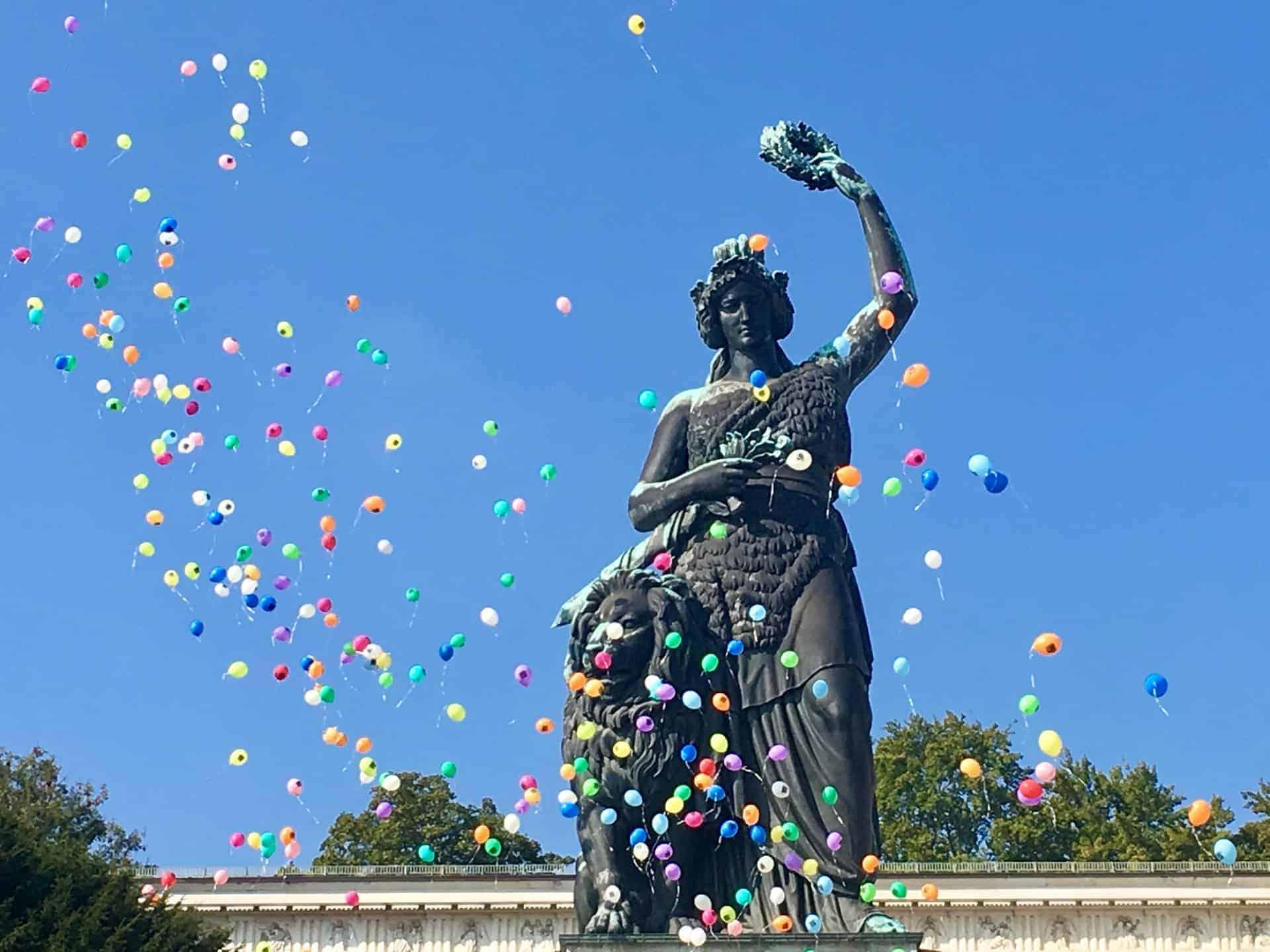Oktoberfest_Wiesn_Bavaria_Luftballons